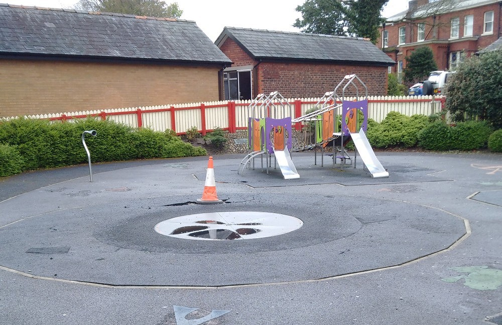 Broken roundabout in Memorial Park